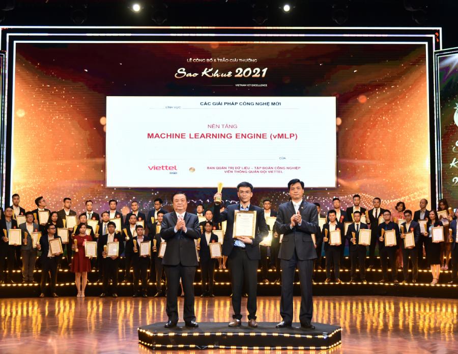 """Nền tảng Viettel Machine Learning Platform cũng vinh dự được giải thưởng Sao Khuê 2021 tại hạng mục """" Các giải thưởng công nghệ mới"""""""